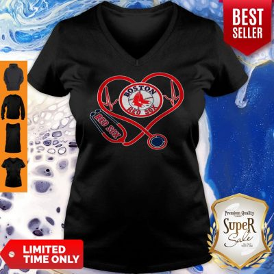 Awesome Boston Red Sox Stethoscope Heart V-neck