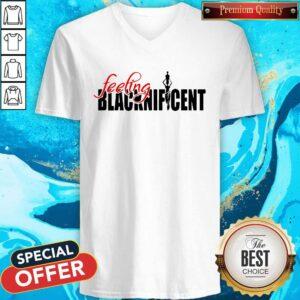 Happy Feeling Blacknificent V-neckHappy Feeling Blacknificent V-neck
