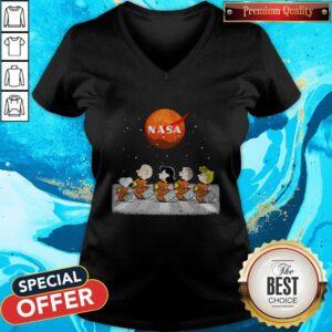 Nice Peanuts Heads Back To Space Nasa V-neck