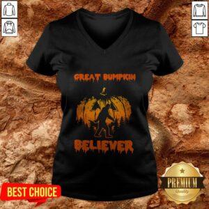 Cute Bigfoot Great Bumpkin Believer V-neck