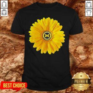 Love Michigan Wolverines Daisy ShirtLove Michigan Wolverines Daisy Shirt