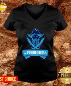 Beautiful Segeln Freibeuter Design Fur Segler V-neck - Design By Potatotees.com