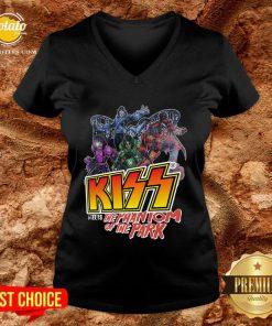 Good Kiss Meets The Phantom Of The Park V-neck - Design By Potatotees.com