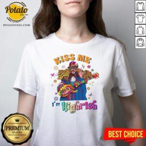 Great Hippie Kiss me Im Highrish V-neck - Design By Potatotees.com