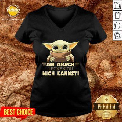 Hot Baby Yodda Am Arsch Lecken Du Mich Kannst V-neck - Design By Potatotees.com
