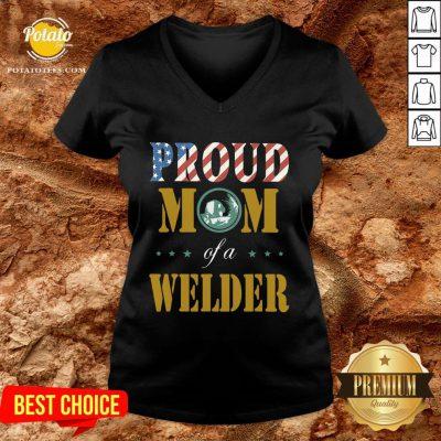 Perfect Proud Mom Of A Welder American Flag V-neck - Design By Potatotees.com