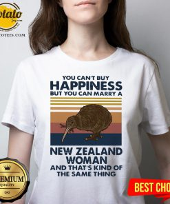 Top You Can't Buy Happiness But You Can Marry A New Zealand Woman And That's Kind Of The Same Thing V-neck - Design By Potatotees.com