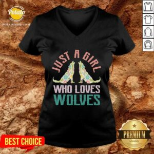 Wolf Just A Girl Who Loves Wolves V-neck - Design by Potatotees.com