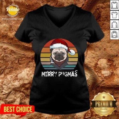 Top Merry Pugmas Funny Pug Christmas Style Vintage V-neck - Design by potatotees.com