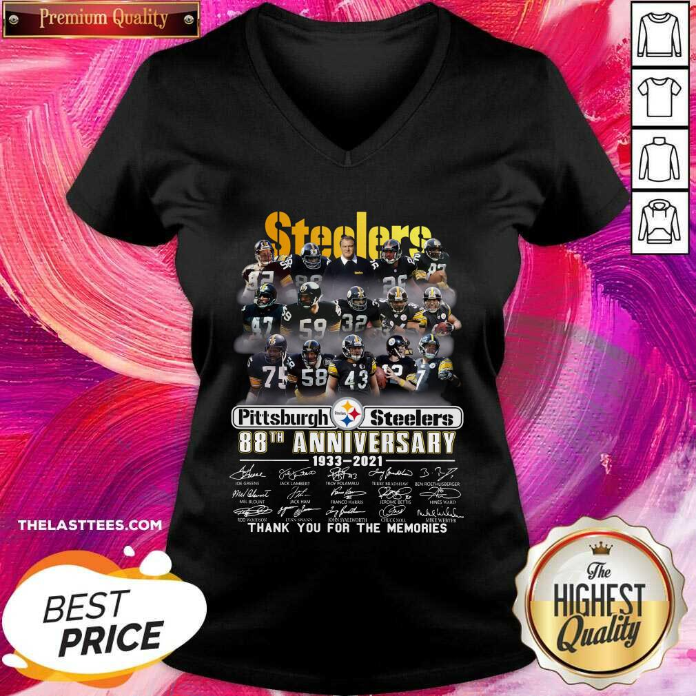 Cute Pittsburgh Steelers 88th Anniversary Thank You For The Memories Signatures V-neck  - Design By Potatotees