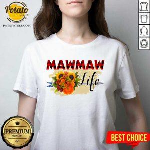 Top Mawmaw Life Flower V-neck